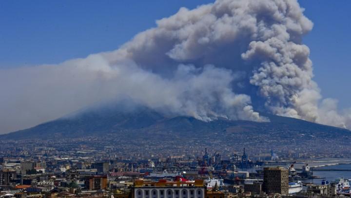 Cosa ci si domanda all'ombra del Vesuvio